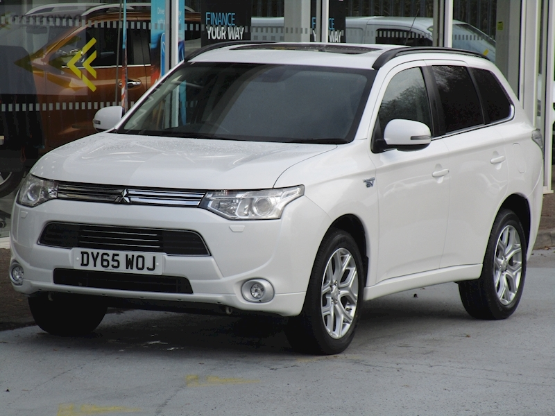 Outlander Phev Gx4hs 4Work Electric/Petrol Hybrid with Sat Nav & Rev Cam 2.0 MPV Semi Auto Petrol/Electric