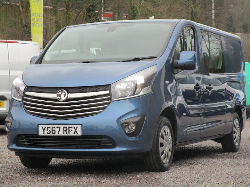 Vivaro Cdti 125ps Bi-Turbo Sportive L2 Lwb 6 Seat Kombi Crew With Air Con, Sat Nav & Rev Cam 1.6 6dr Combi Van Manual Diesel
