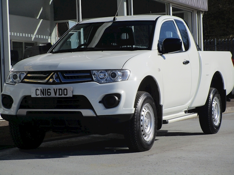 L200 Di-D 4X4 135ps 4Life Extended Club Cab Pick up with Air Con 2.5 2dr Pickup Manual Diesel