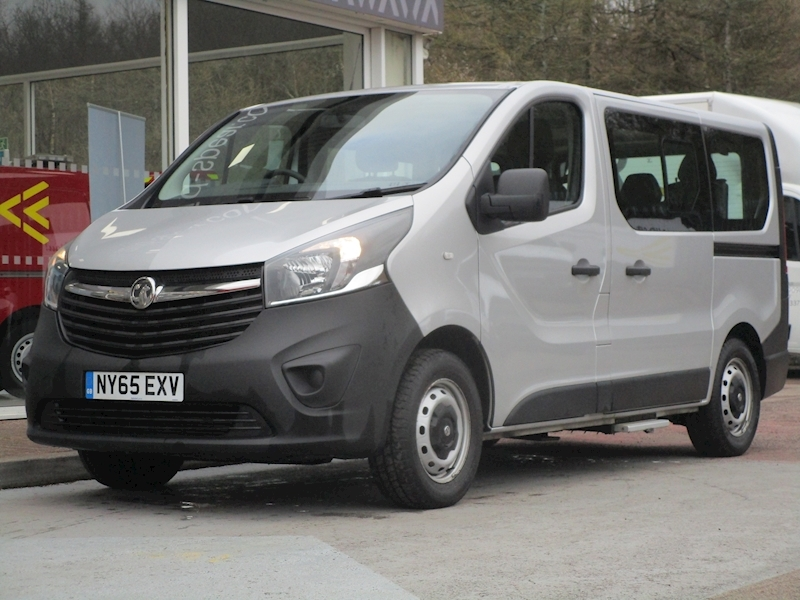 Vivaro Cdti 90ps 7 Seat Minibus + Ramp Access for 1 Wheel Chair with Air Con & Electric Winch 1.6 5dr Minibus Manual Diesel