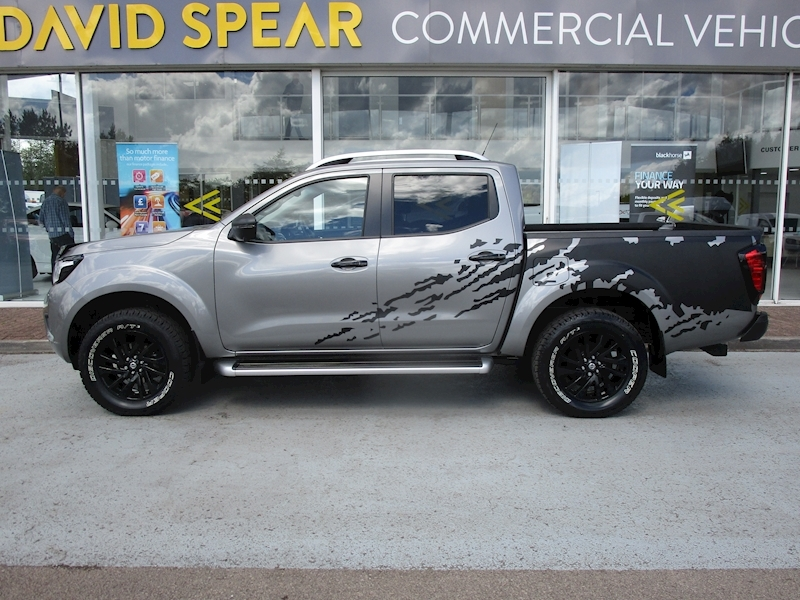 Nissan Navara Dci 190ps Black Edition Tekna 4X4 Double Cab Pick Up With Sat Nav, Leather, Tow Bar & Only 7K 2.3 4dr Pickup Manual Diesel