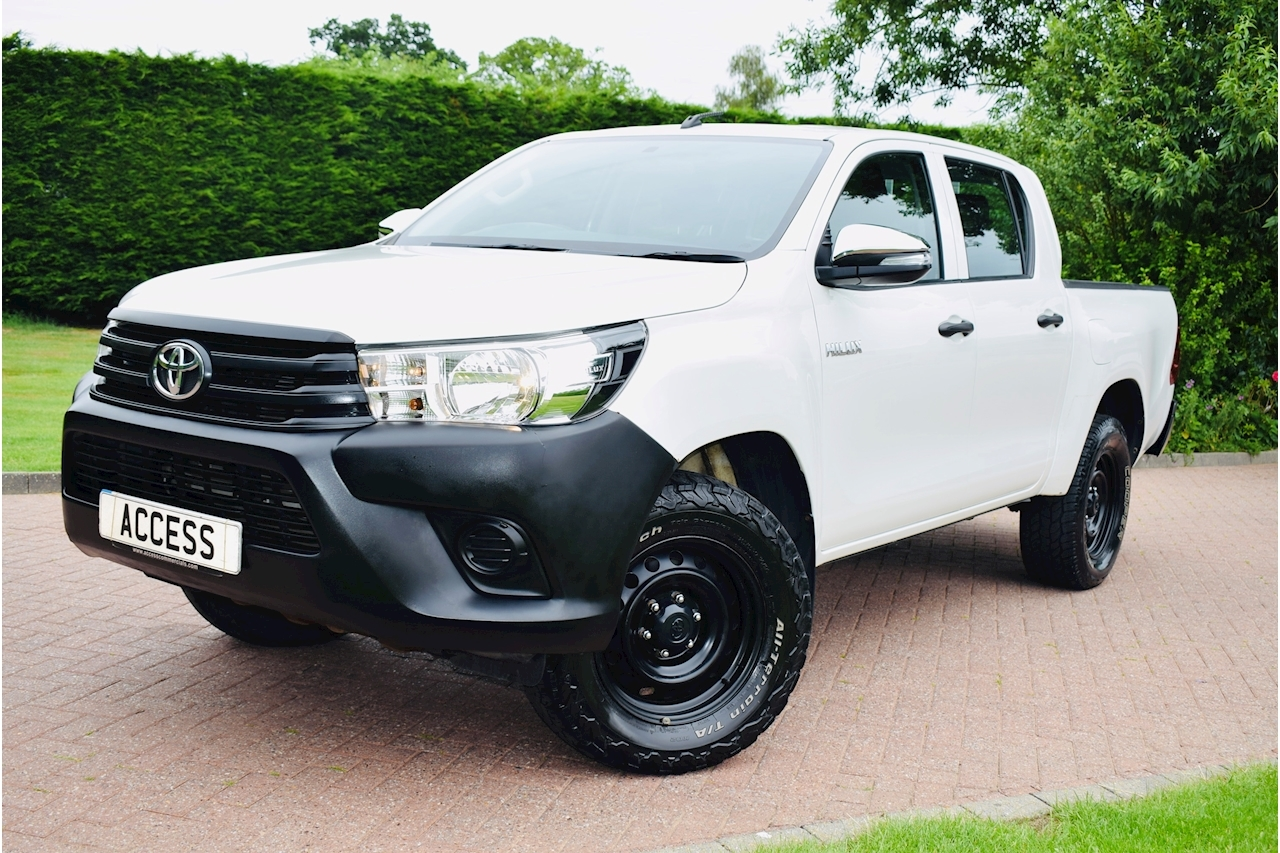 Toyota Hilux Active 4Wd D-4D Dcb Light 4X4 Utility 2.4 Manual Diesel Air Con