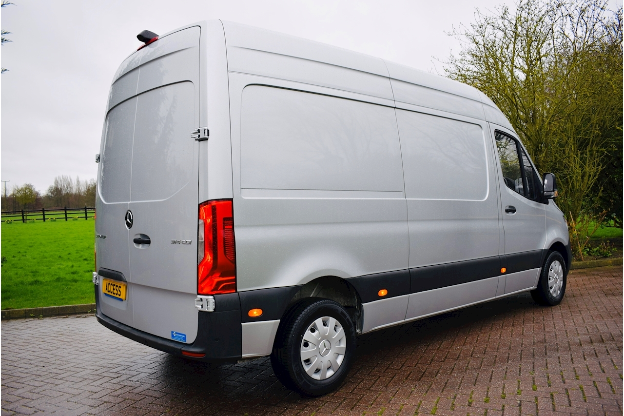 Mercedes-Benz Sprinter 314 Cdi Panel Van 2.1 Manual Diesel  MWB 2019 new shape