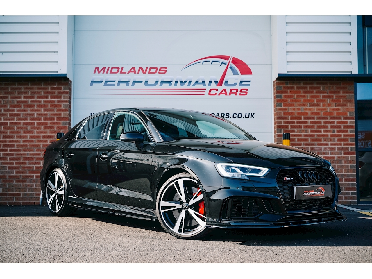Audi RS3 2.5 TFSI Saloon 4dr Petrol S Tronic quattro (s/s) (400 ps) Saloon 2.5 S Tronic Petrol