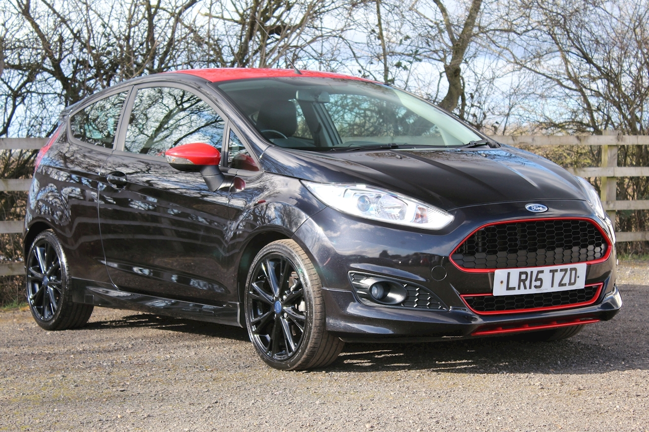 Ford 1.0 EcoBoost Zetec S Black Edition Hatchback 3dr Petrol Manual (s/s) (EU6) (104 g/km, 138 bhp)