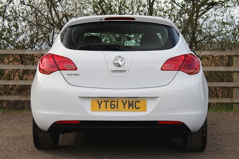 1.4 16v Excite Hatchback 5dr Petrol (100 ps)