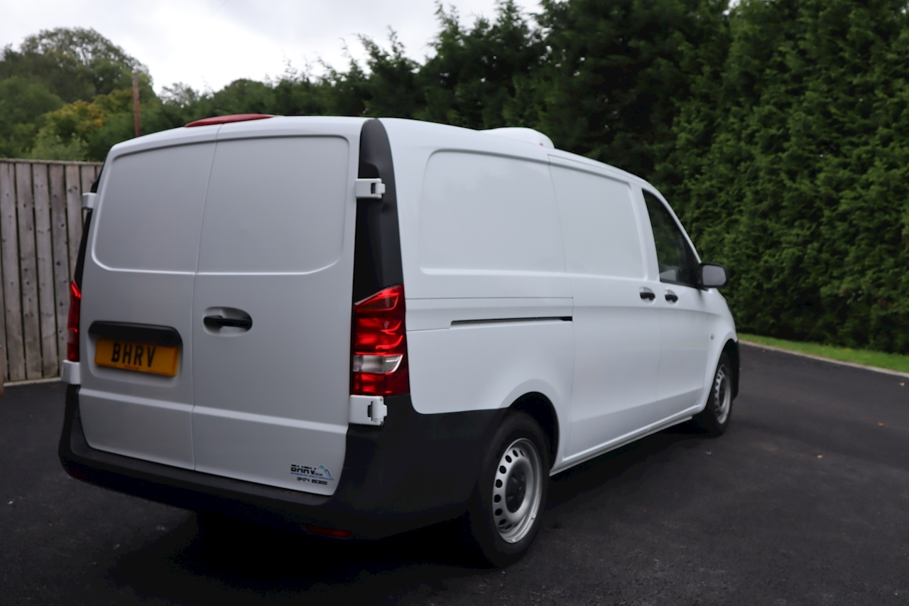 Mercedes Vito 111 LWB Refrigerated Chiller Van 1.6 6dr Medium Fridge Van Manual Diesel