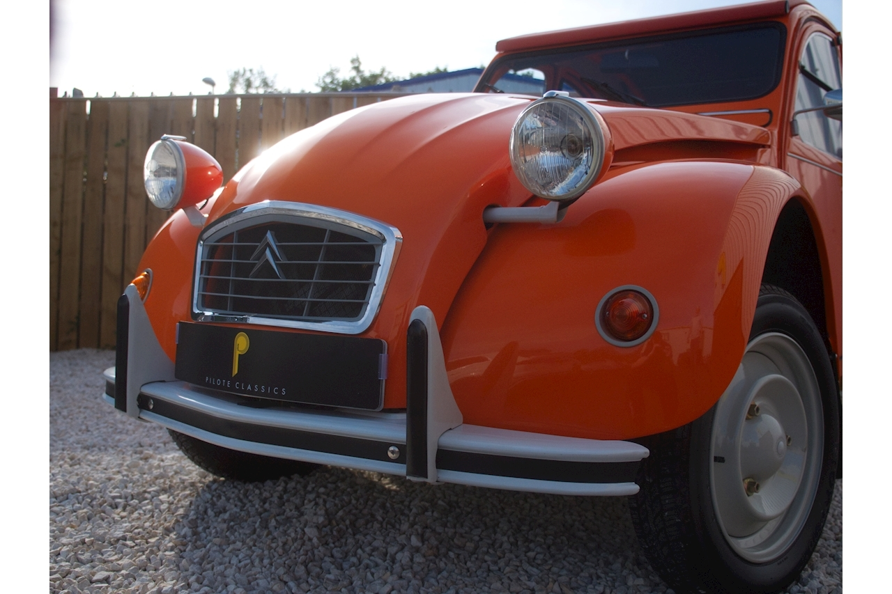 Citroen 2 CV Dolly Convertible 0.6 Manual Petrol