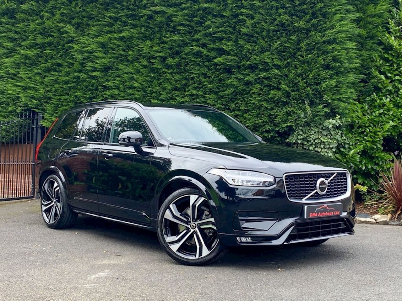 Volvo Xc90 B5 R-Design Pro Awd Estate 2.0 Automatic Diesel