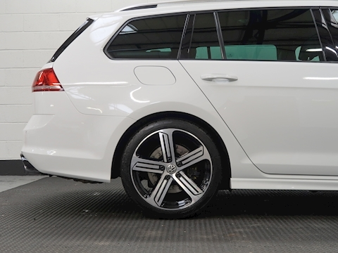 2.0 TSI BlueMotion Tech R Estate 5dr Petrol DSG 4MOTION (s/s) (162 g/km, 296 bhp)