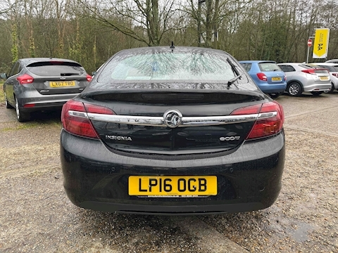Insignia Tech Line Hatchback 1.6 Manual Diesel
