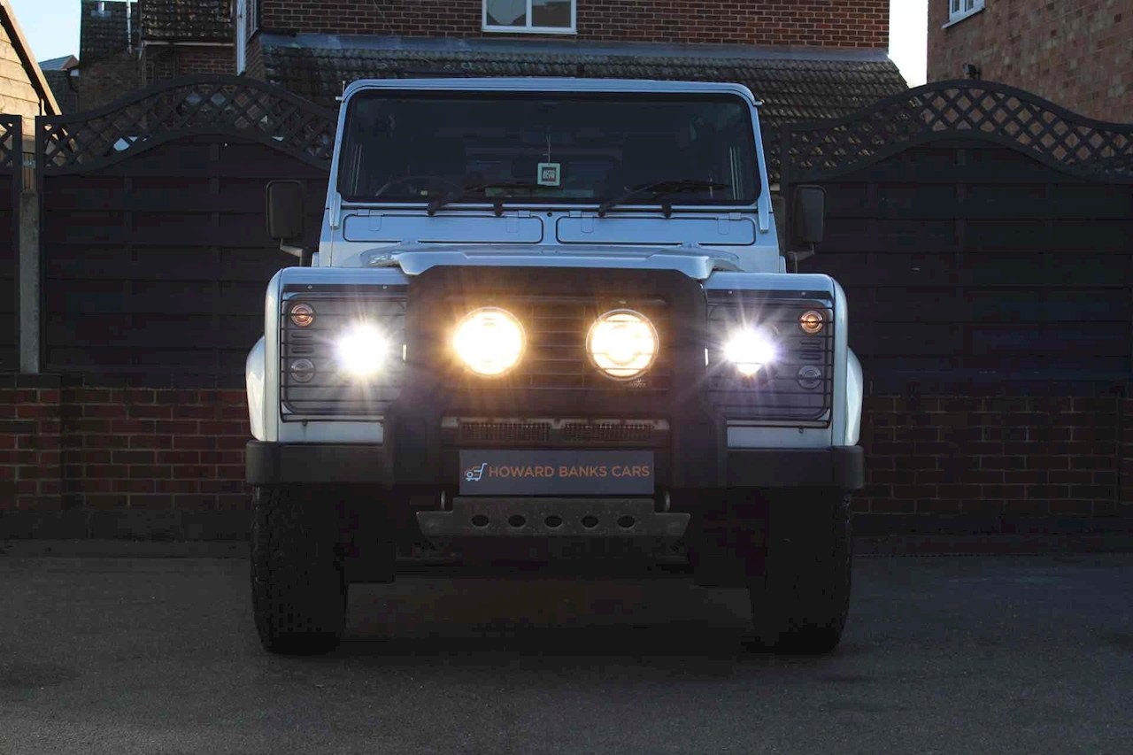 Land Rover Defender 90 TD5 XS SUV 2.5 Manual Diesel