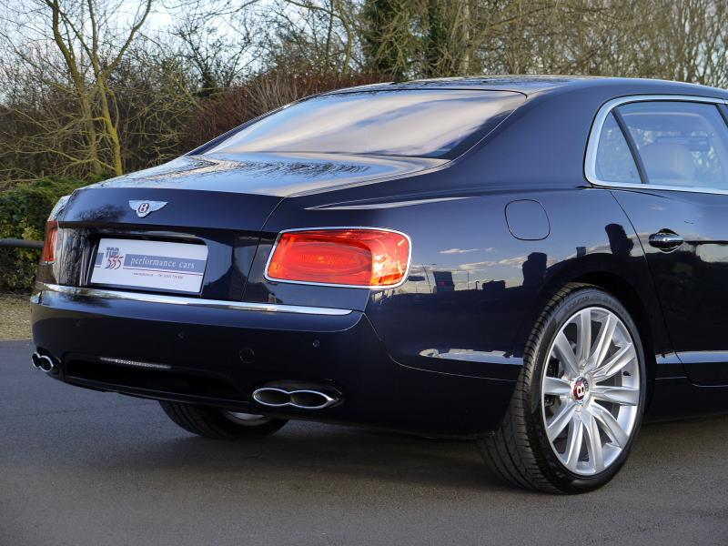 Bentley Flying Spur V8 - Large 7