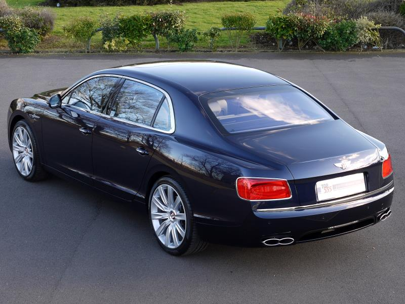 Bentley Flying Spur V8 - Large 27