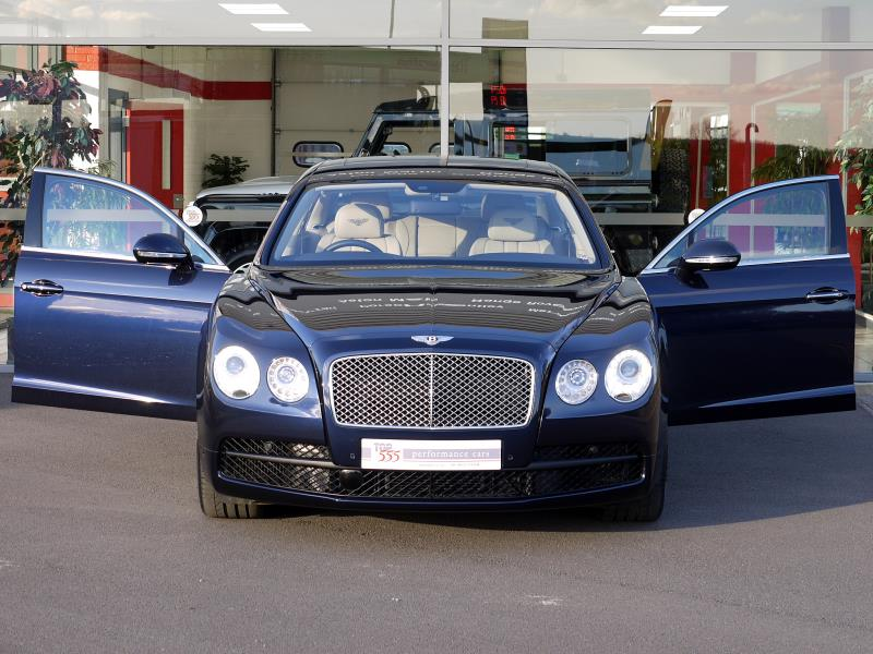 Bentley Flying Spur V8 - Large 28