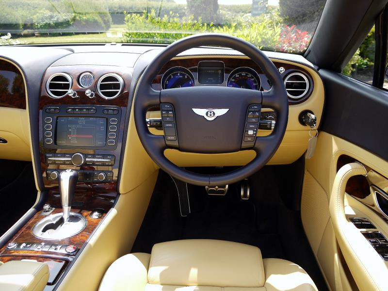 Bentley Continental GTC 6.0 W12 - Large 18