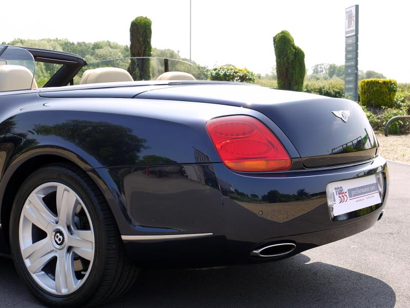 Bentley Continental GTC 6.0 W12 - Large 22