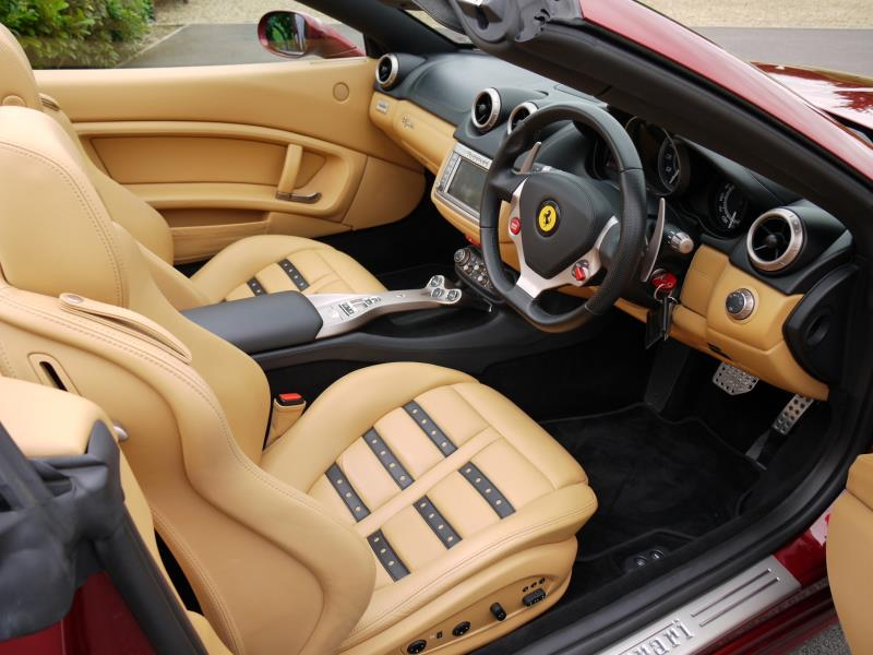 Ferrari California 4.3 2+2 - Large 1