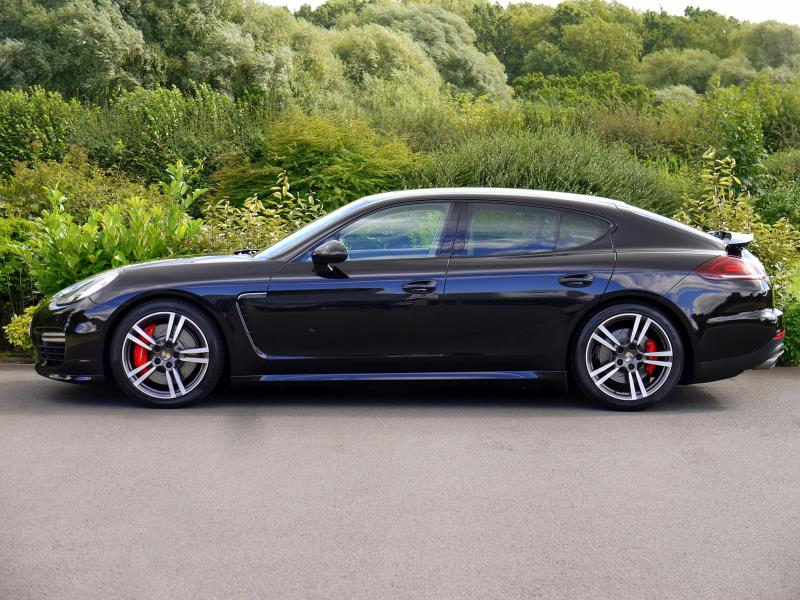 Porsche Panamera Turbo 4.8 PDK - Large 2