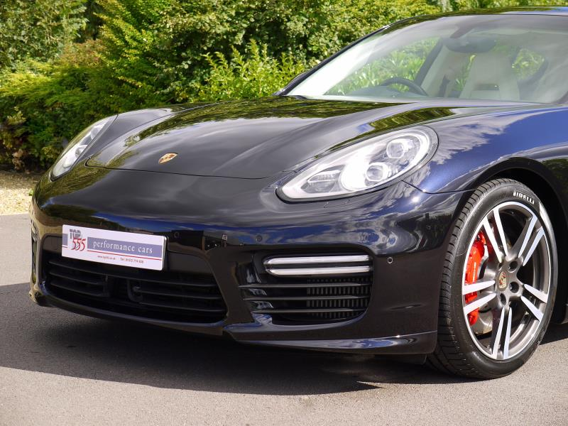 Porsche Panamera Turbo 4.8 PDK - Large 15