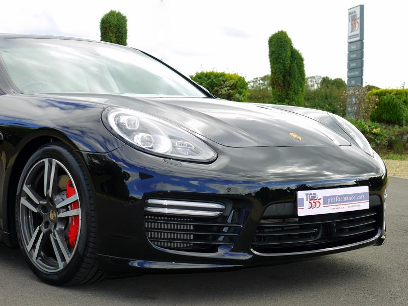 Porsche Panamera Turbo 4.8 PDK - Large 25