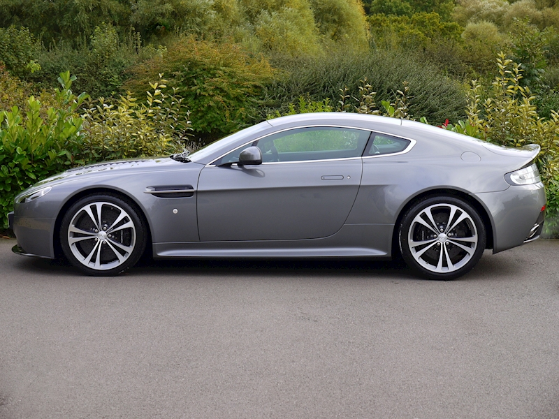 Aston Martin V12 Vantage Manual - Large 2