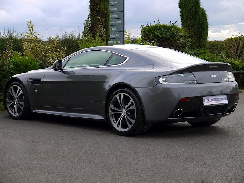 Aston Martin V12 Vantage Manual - Large 6