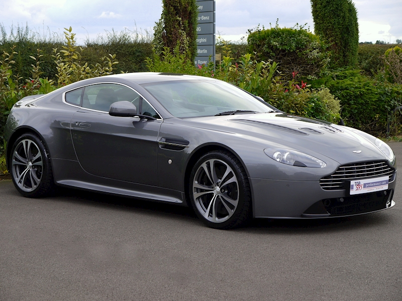 Aston Martin V12 Vantage Manual - Large 13