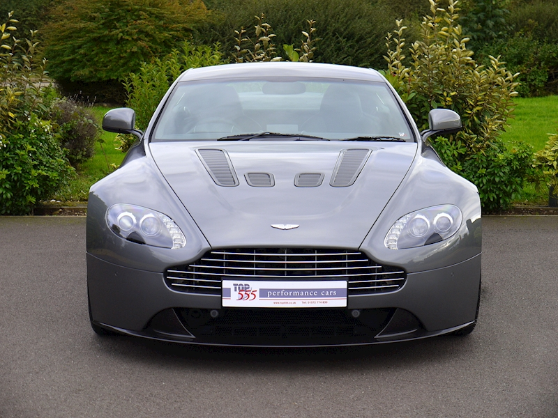 Aston Martin V12 Vantage Manual - Large 14
