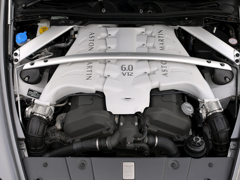 Aston Martin V12 Vantage Manual - Large 18
