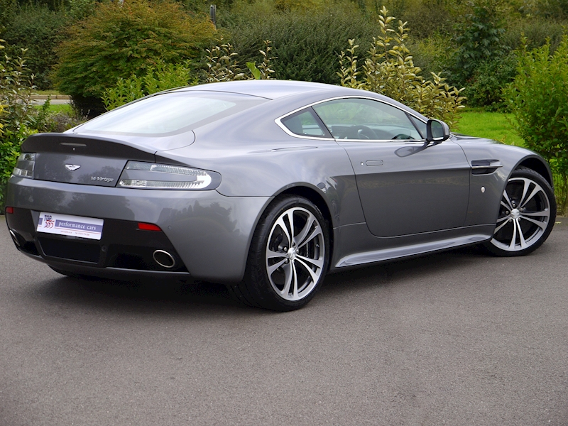 Aston Martin V12 Vantage Manual - Large 20