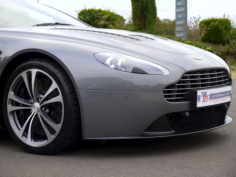 Aston Martin V12 Vantage Manual - Large 23