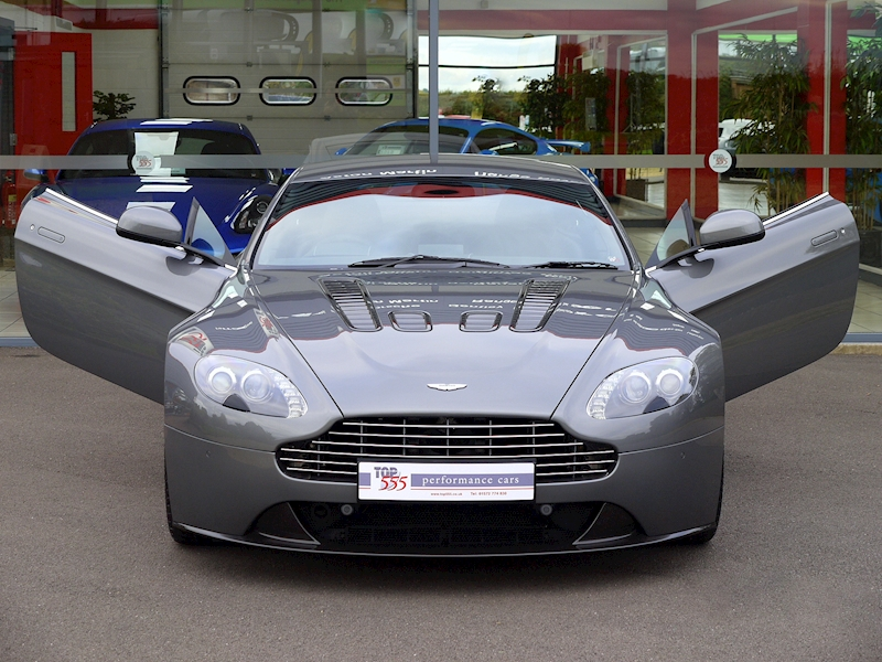 Aston Martin V12 Vantage Manual - Large 26