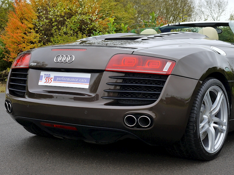 Audi R8 Spyder 4.2 V8 Manual - Large 13