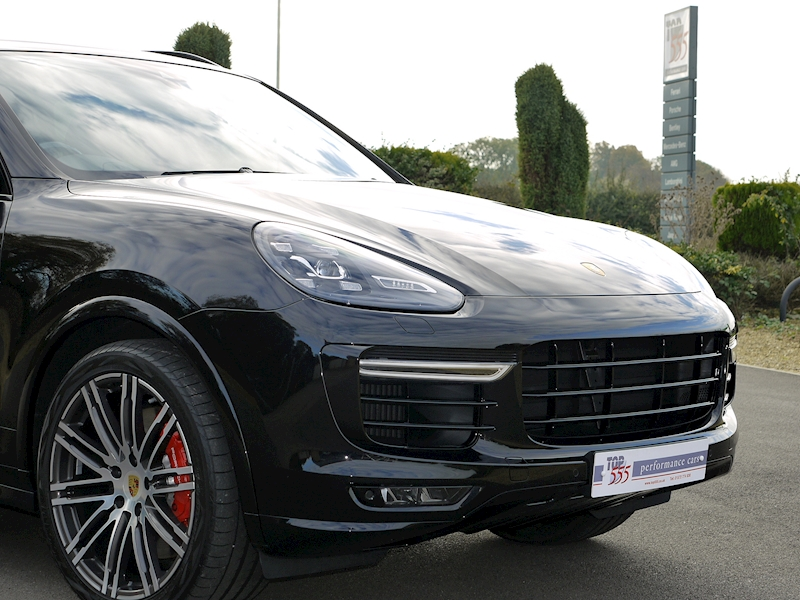 Porsche Cayenne V8 Turbo 4.8 - Large 32