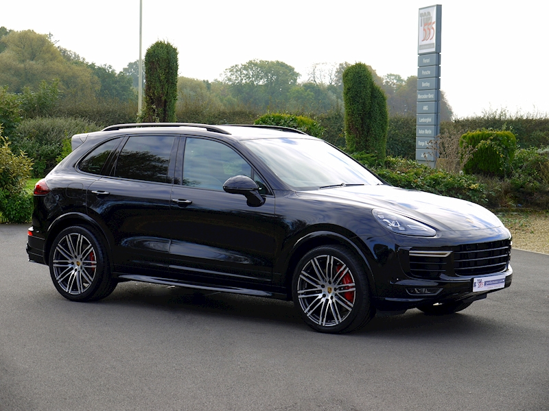 Porsche Cayenne V8 Turbo 4.8 - Large 33
