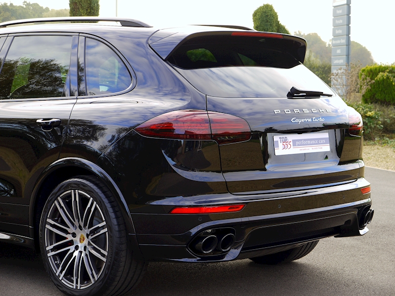 Porsche Cayenne V8 Turbo 4.8 - Large 36