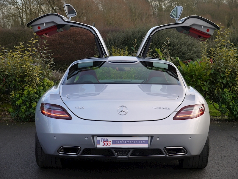 Mercedes-Benz SLS AMG COUPE 6.2 - Large 10