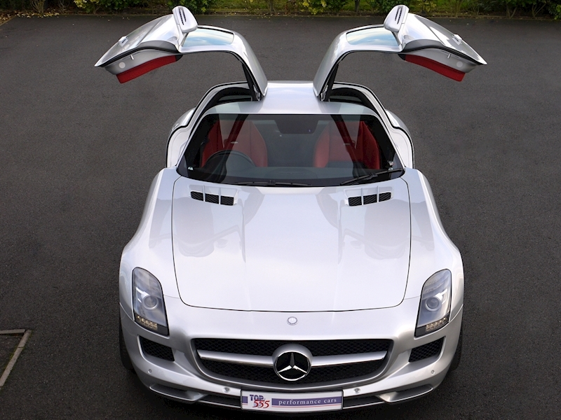 Mercedes-Benz SLS AMG COUPE 6.2 - Large 23