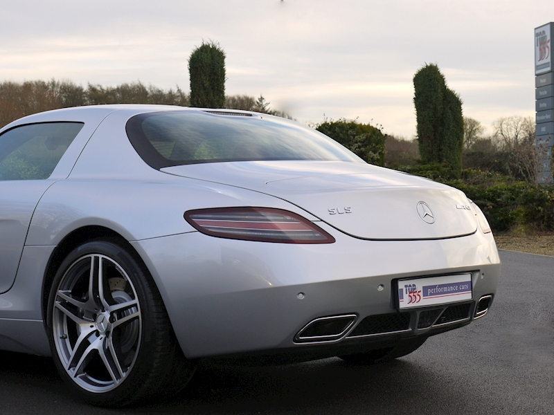 Mercedes-Benz SLS AMG COUPE 6.2 - Large 33