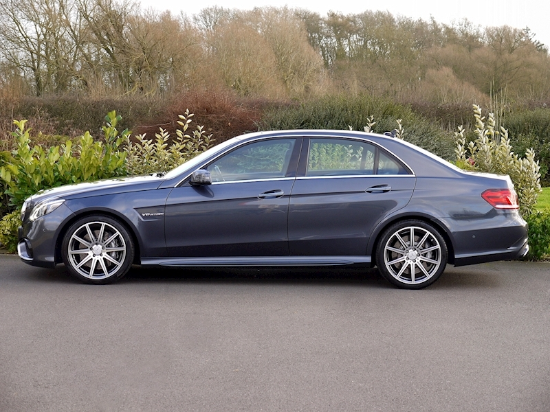 Mercedes E63 AMG 5.5 Saloon - Large 2
