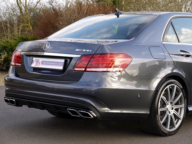 Mercedes E63 AMG 5.5 Saloon - Large 7