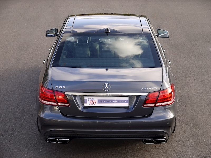 Mercedes E63 AMG 5.5 Saloon - Large 10