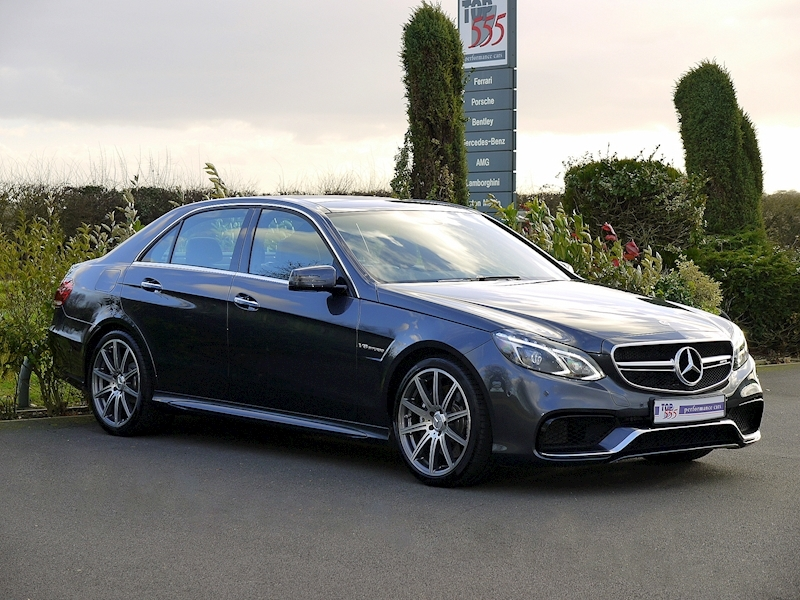 Mercedes E63 AMG 5.5 Saloon - Large 11