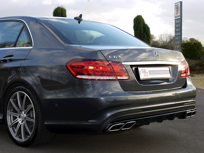 Mercedes E63 AMG 5.5 Saloon - Large 22