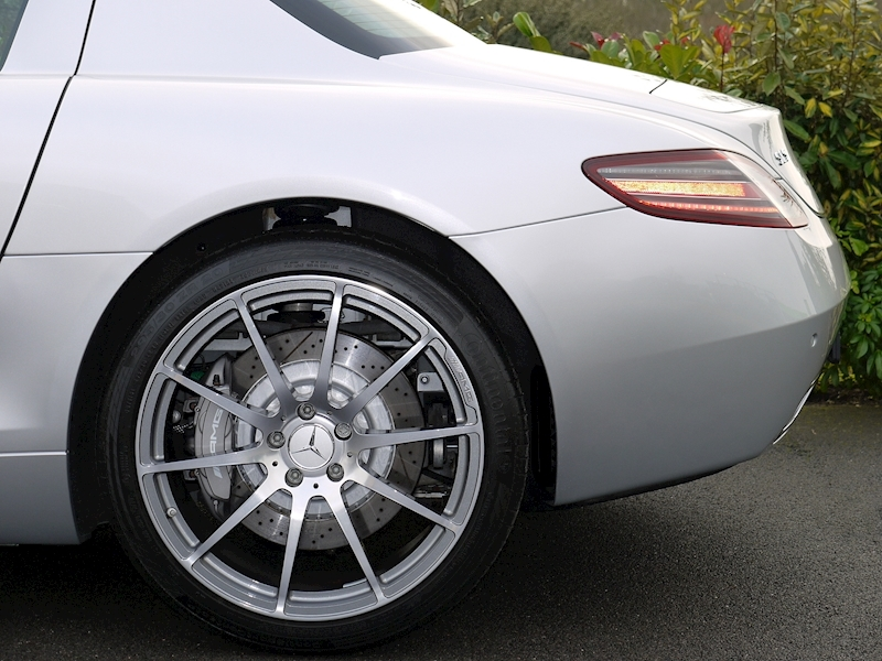 Mercedes SLS AMG Coupe 6.2 - Large 3