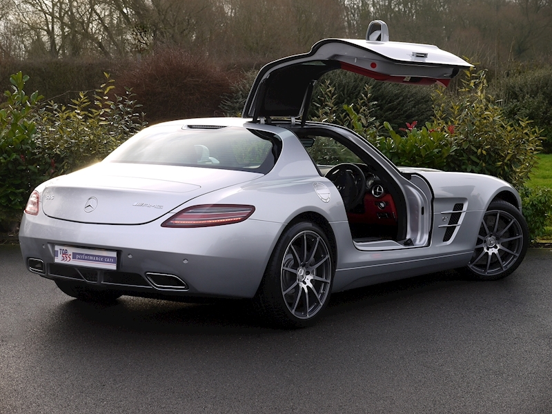 Mercedes SLS AMG Coupe 6.2 - Large 22
