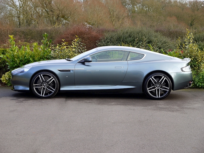 Aston Martin DB9 GT 6.0 V12 Coupe - Large 2