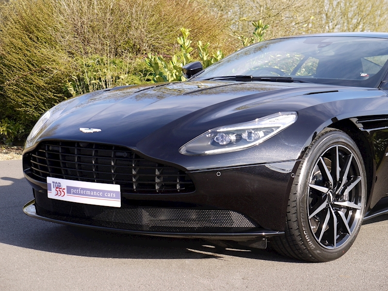 Aston Martin DB11 V12 - Launch Edition - Large 14