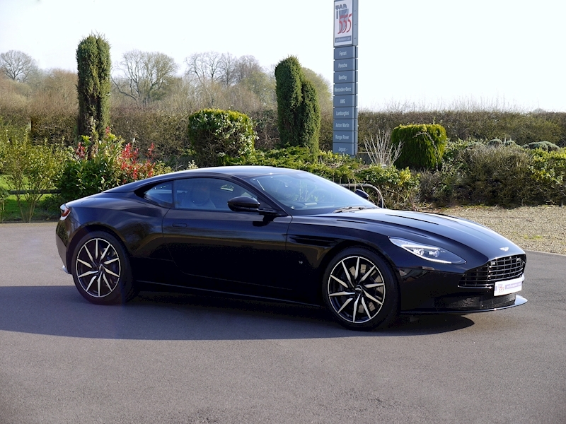 Aston Martin DB11 V12 - Launch Edition - Large 27